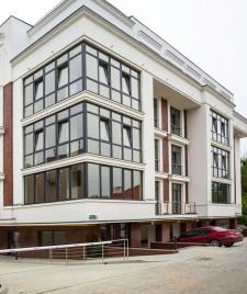"""Клубний будинок Rezydencja """"Zalizna Voda"""" (Резиденція """"Залізна Вода"""")"""